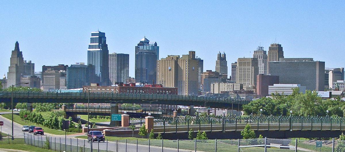 1200px-Kansas_City_MO_Skyline_14July2008v